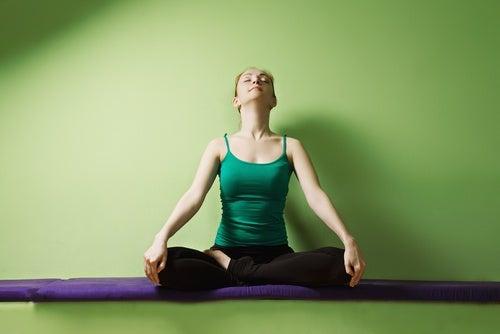 Yogastillinger handler også om vejrtrækninger