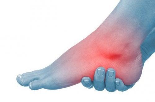 6 naturlige midler mod hævede fødder og ankler