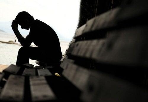 Mand der er deprimeret