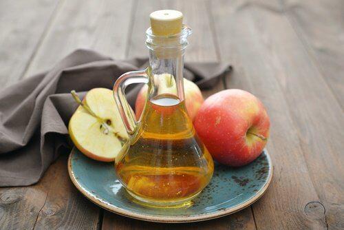 Æblecidereddike og æbler