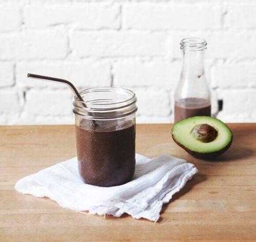 Avocado og kakao smoothie