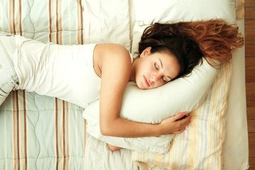 7 tips til at hjælpe dig med at falde i søvn