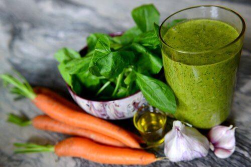 Gulerod spinat smoothie