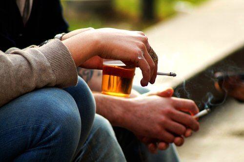 4-alkohol-og-tobak