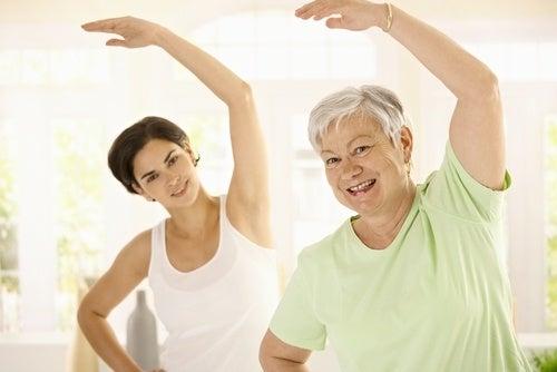 To kvinder der motionerer