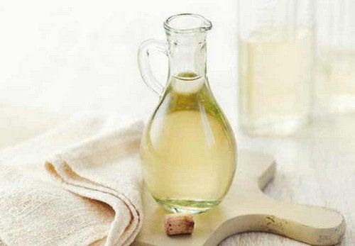 6 spektakulære ideer: Det kan du bruge distilleret hvid eddike til