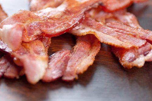 Bacon er forarbejdet kød
