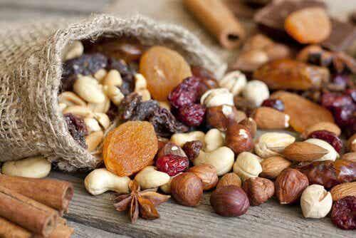 7 grunde til, hvorfor du burde spise flere nødder