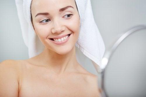 Sådan kan du fjerne hår i ansigtet naturligt
