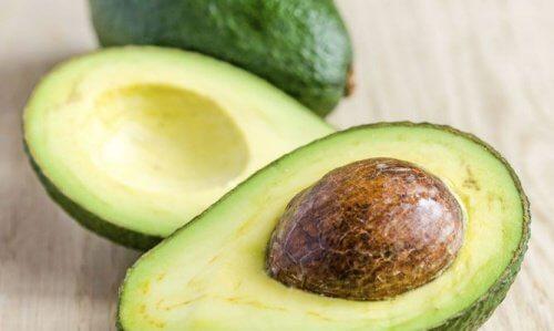 Avocado er en af de ingredienser der har virkelig gavnlig virkning på tørt hår