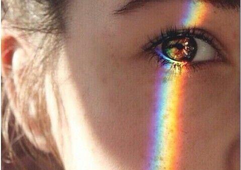 Kvinde oeje og regnbue - hydrogel hornhinder