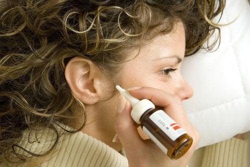 7 naturlige midler mod ørevoks