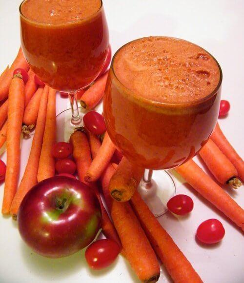Smoothie med groentsager og frugt - gulerods smoothies