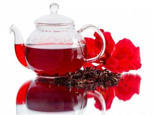 En kande te - naturligt vanddrivende midler