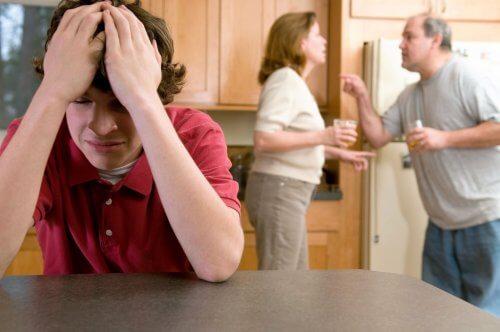 Dreng der ikke kan klare mor og far skaendes