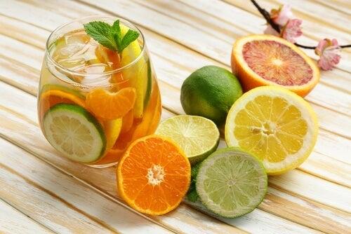 Citrus kommer i mange udgaver og de fleste er virkelig sunde for dig