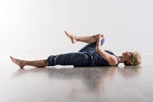 Med de rigtige udstrækningsøvelser kan du fjerne dine rygsmerter