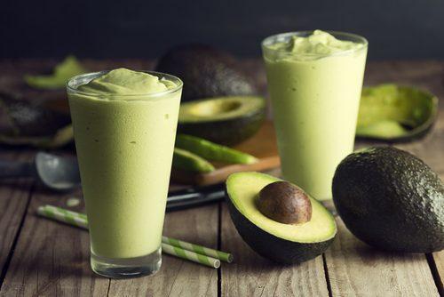 Avocadosmoothie til at tabe dig og øge muskelmasse