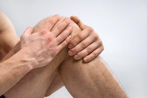 Ondt i knæet kan drage nytte af fordele ved knæartroskopi