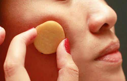5 skønne fordele ved rå kartoffel for din hud