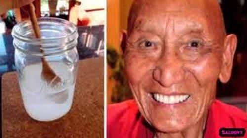 Derfor har tibetanske munke stærke, hvide tænder
