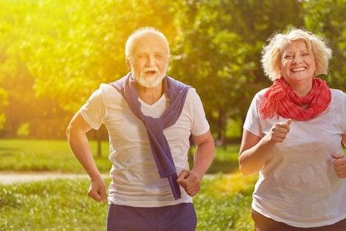 Aeldre motionerer for at undgaa vaegtoegning