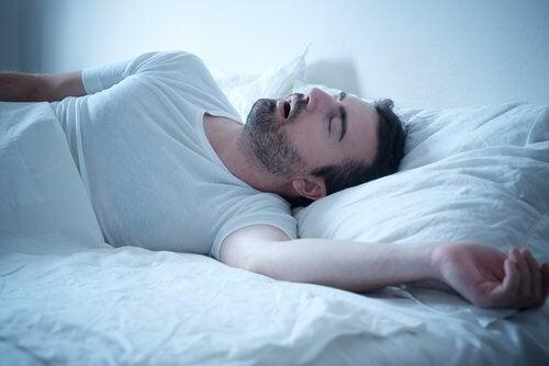 Ændringer i søvnmønstre i REMfasen.