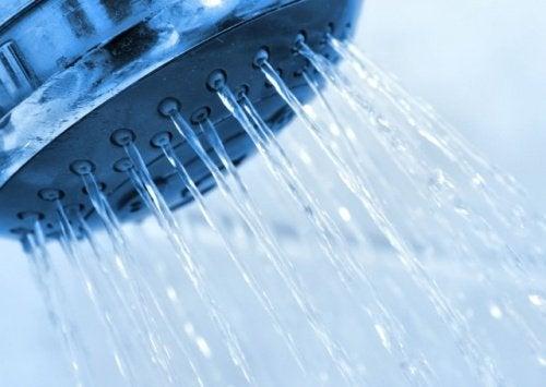 Bakteriel vaginitis kan lindres med koldt vand.