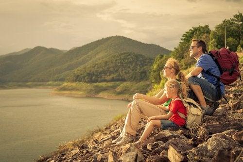 Familie ved vandet