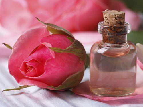 Her er en hjemmelavet fugtighedscreme, der dufter fantastisk.