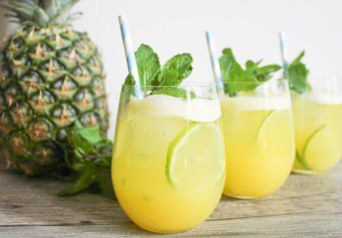 6 fordele ved ananasvand