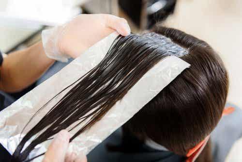 Sådan bruger du staniol til dit hår
