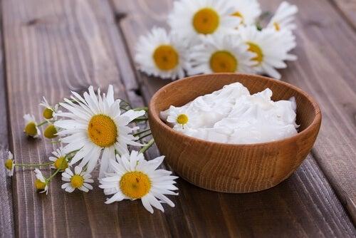 Yoghurt er et af de naturlige midler mod udflåd.
