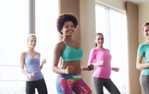 Kvinder der danser - braende kalorier