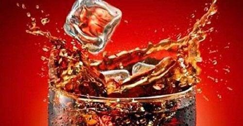 Undgå cola for at forbrænde flere kalorier.