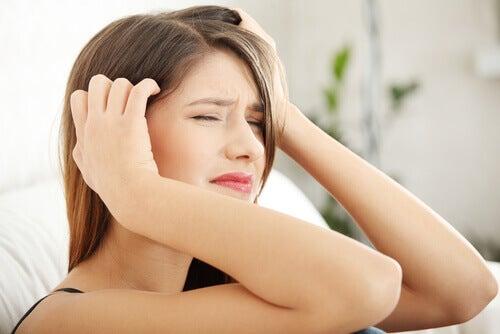Hyppig smerte er tegn på kronisk træthed.