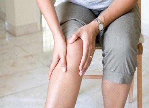 10 tricks til at reducere knæsmerter med den mad du spiser