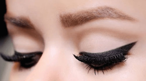 10 tips til at lægge eyeliner