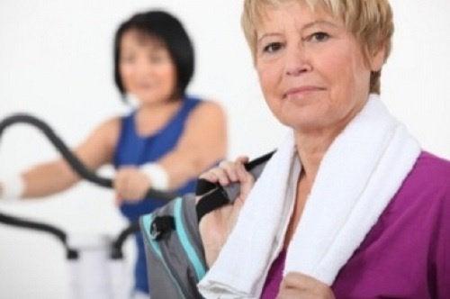 Kvinder der motionerer