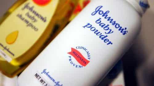 Johnson & Johnson skal betale $417 millioner, da talkum pulver er blevet forbundet med kræft