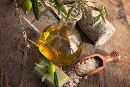Olivenolie og salt