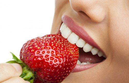 Rødt jordbær