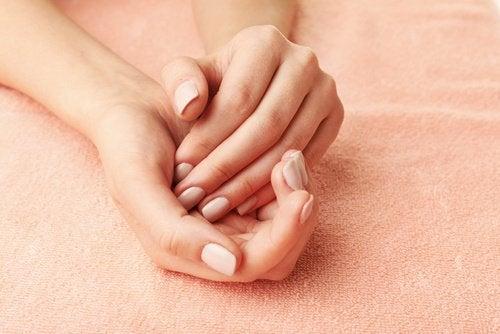 Silkebløde hænder