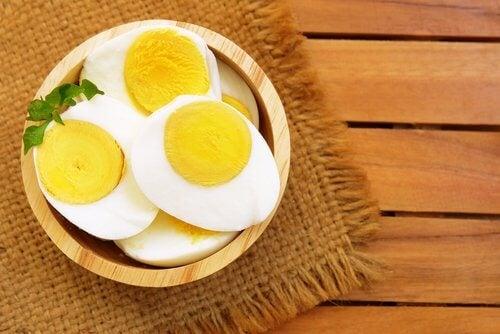 Spis æg uden at tage på