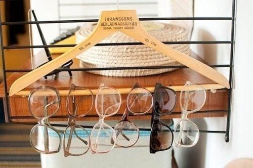 Briller på bøjler
