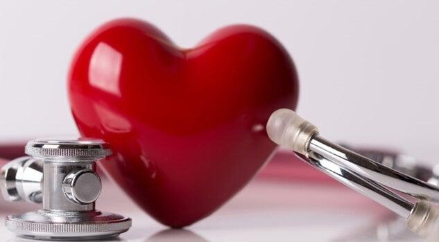 Et hjerte og et stetoskop