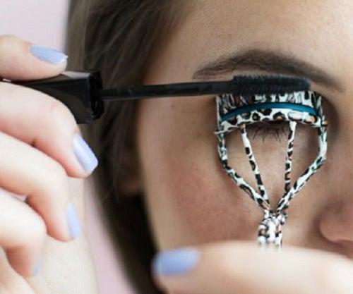 Undgå at krølle øjenvipper