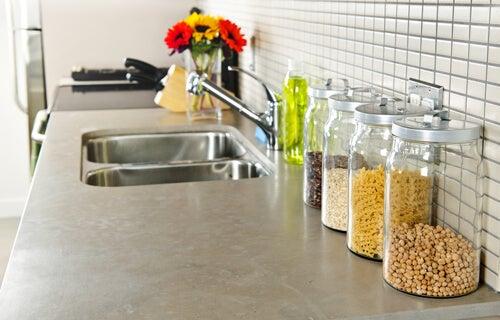 Hylder i små køkkener