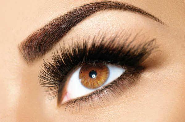 Vaseline på øjenbryn