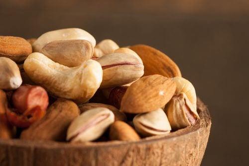 Hvorfor skal vi lægge nødder og frø i blød?
